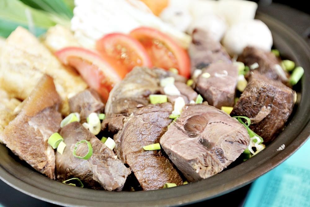 宥鼎牛排 來牛排店吃牛肉鍋? 享受大口吃肉大口喝湯超滿足 可外帶